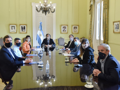 Cafiero firmó con cinco municipios bonaerenses un acuerdo para la modernización digital