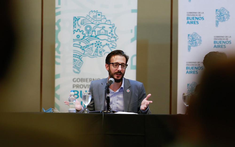 Ministro de Infraestructura y Servicios Públicos, Agustín Simone.