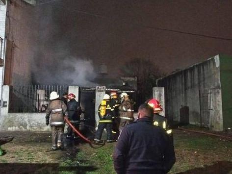 Tragedia en La Plata   Padre e hijo murieron durante un incendio en su vivienda