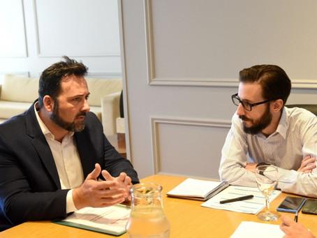 El ministro Simone y Víctor Aiola acordaron trabajar juntos por Chacabuco