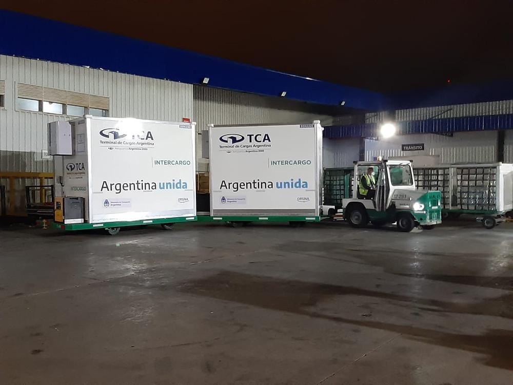Argentina suma 580 mil dosis de la vacuna Covishield que se suman al millón de dosis de la Sputnik V.