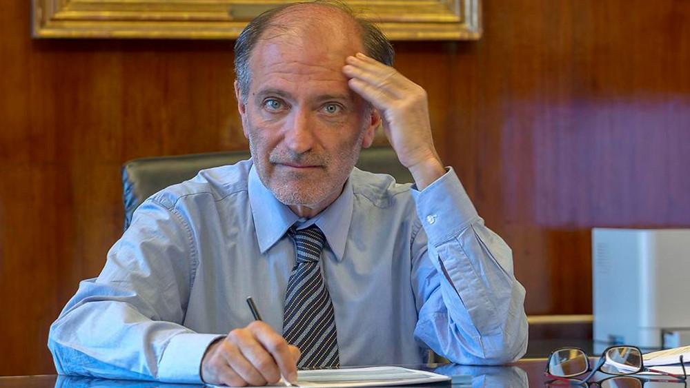 Eduardo Hecker, Presidente del Banco Nación.