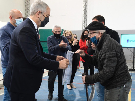 El Gobierno bonaerense entregó mil escrituras sociales en seis municipios bonaerenses