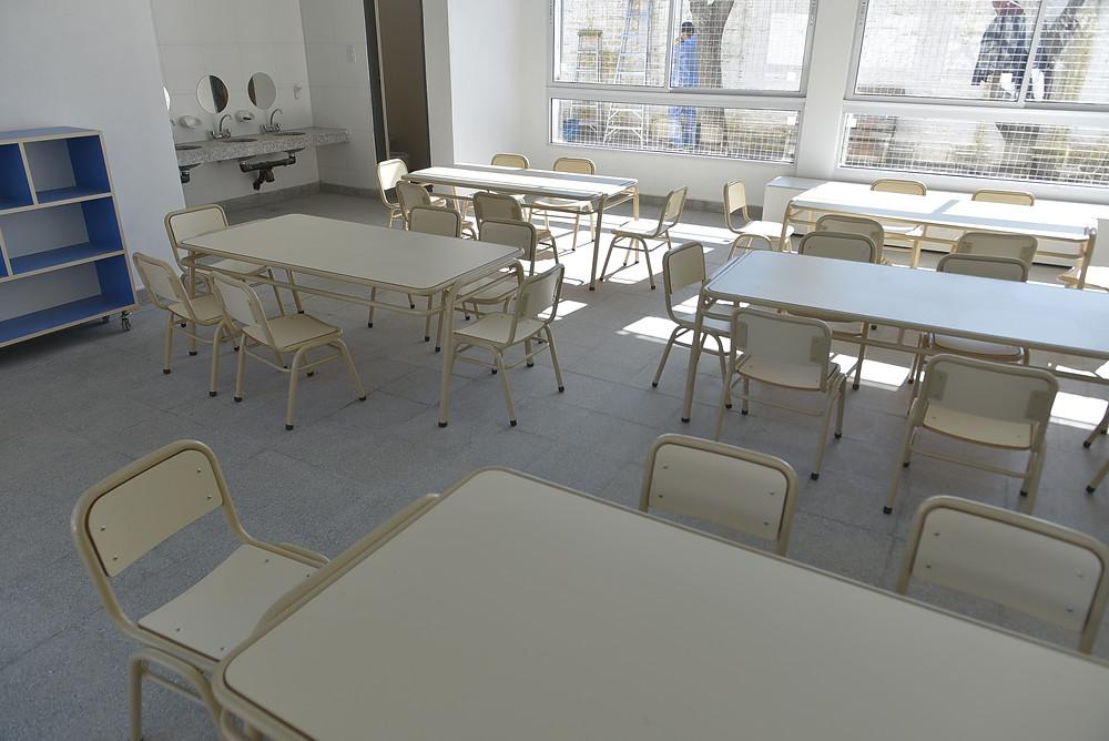 El dictado de clases virtuales dispuesto por el Presidente Alberto Fernández con el propósito de bajar los contagios de coronavirus comienza hoy y se extenderá por dos semanas en escuelas de unos 35 municipios del Área Metropolitana de Buenos Aires (AMBA).