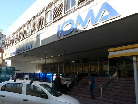 La Defensoría del Pueblo convocó a representantes de IOMA y médicos platenses a una mesa de diálogo