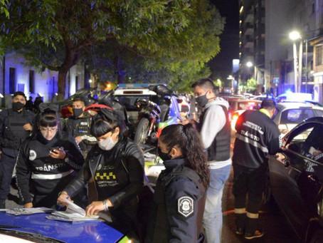 La Plata | Desbaratan reunión de 1500 personas en una plaza pública
