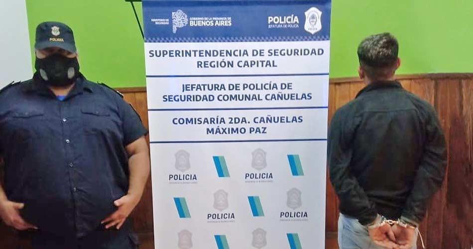 Los policías lograron la aprehensión de uno de los asaltantes, identificado como Javier Bustos (18).