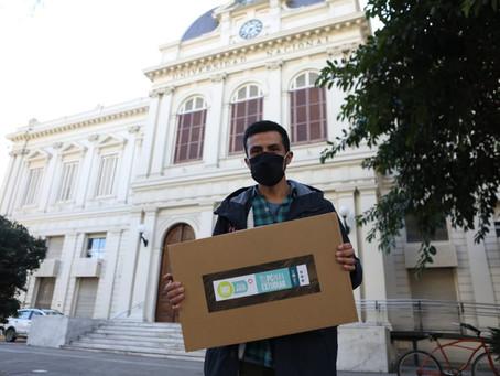 La UNLP hizo una nueva entrega de tablets y notebooks para apoyar la educación virtual