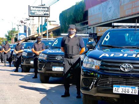 Pilar | Kicillof entregó patrulleros para renovar la flota de la policía y la guardia urbana