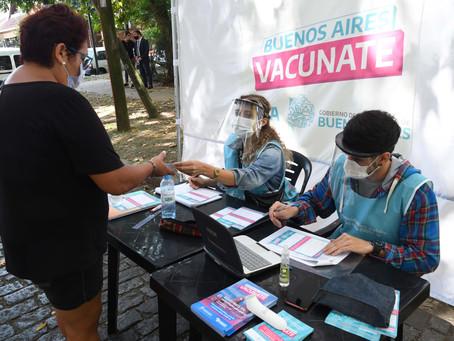 Buenos Aires | Docentes y auxiliares se vacunan contra el coronavirus