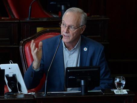 Gollan expuso en la Legislatura y explicó el nuevo sistema de registro de muertes por coronavirus