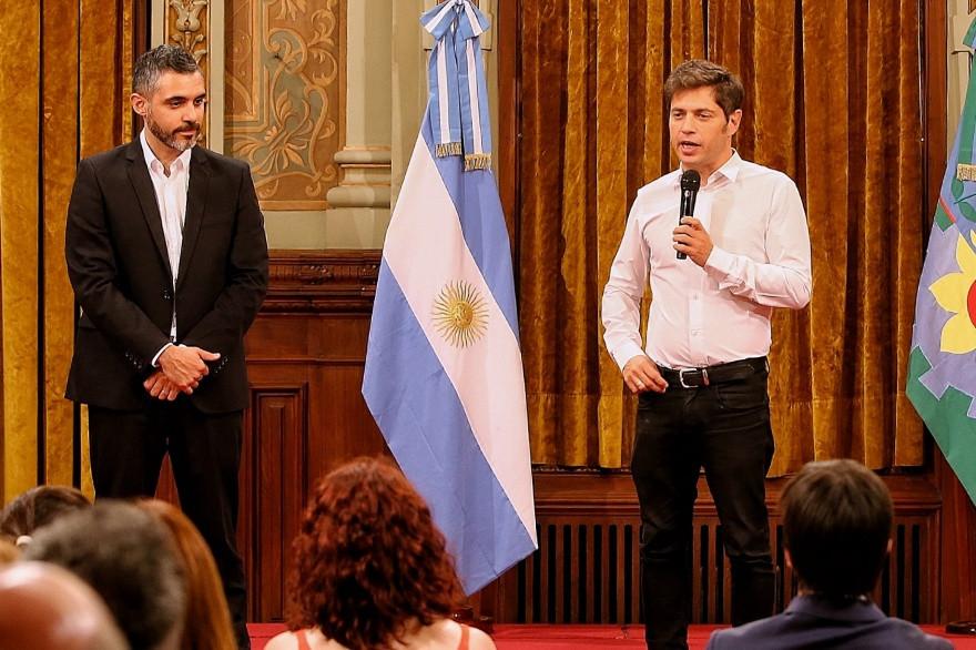 Cristian Girard, Director de la Agencia de Recaudación bonaerense (ARBA), junto al Gobernador bonaerense, Axel Kicillof.