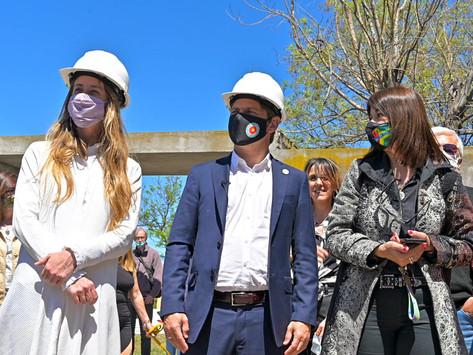 """Vila: """"Llevamos construidos 51 nuevos edificios escolares y 3.200 obras de refacción"""""""
