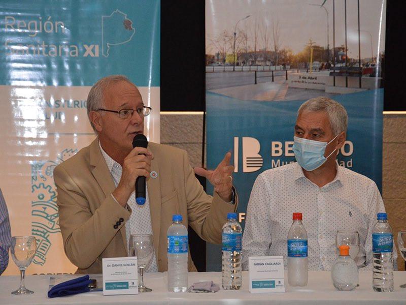 Cagliardi junto al Ministro de Salud bonaerense, Daniel Gollan.