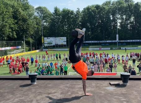 Freestyle voetbal optreden op het dak tijden ING G-toernooi!