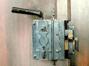 Peter W._altes Türschloss