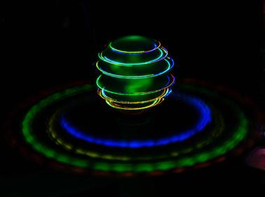 Lichtstreifen_Ramona_Leuchtkreisel