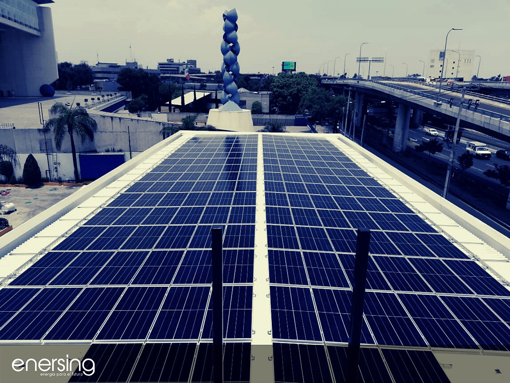Instalación de paneles solares en negocios en México