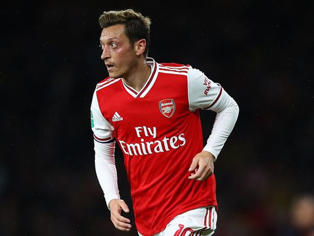 I don't think there are many better players than Mesut Ozil, says Ljungberg.