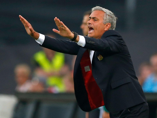 Manchester United are still in transition, claims Dutch legend.