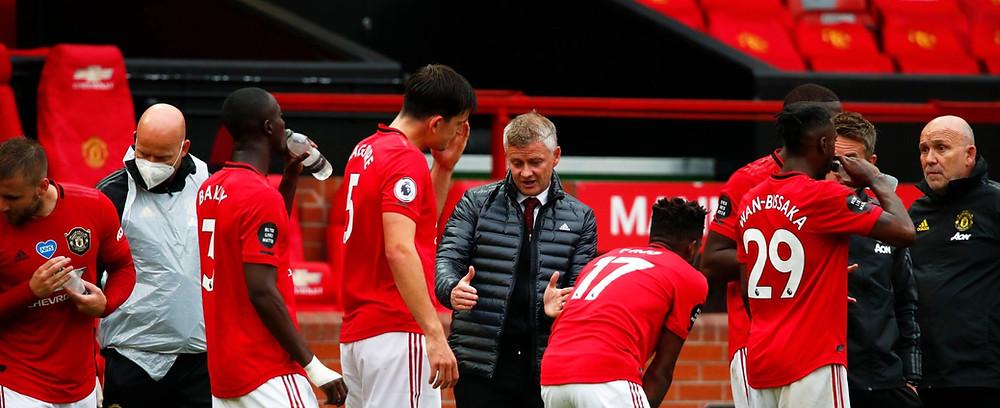 Man Utd boss Solskjaer giving orders to his Red Devils. [Getty]