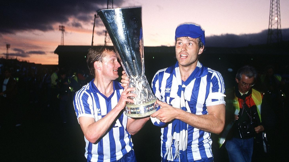 Stig Fredriksson (left) and captain Glenn Hysén with the UEFA Cup trophy [Getty]