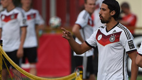 Sami Khedira has had talks with Everton boss Ancelotti.