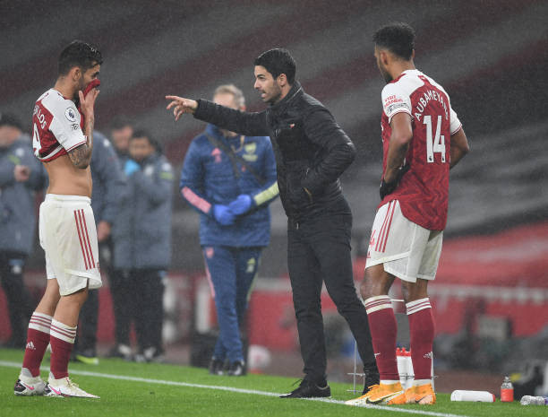 Arteta giving orders to his team. [Getty]