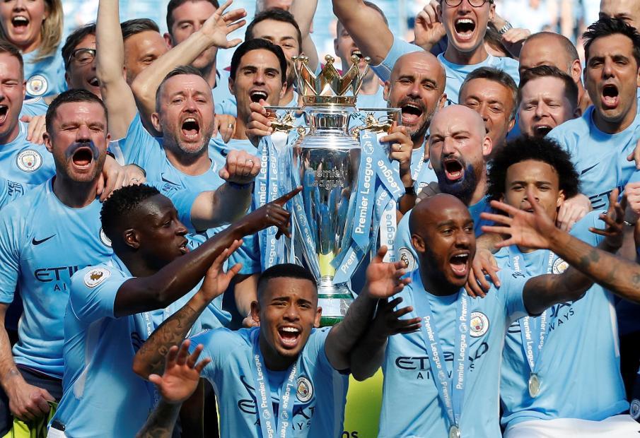 Manchester City lift Premier League Trophy [PremierLeague.com]