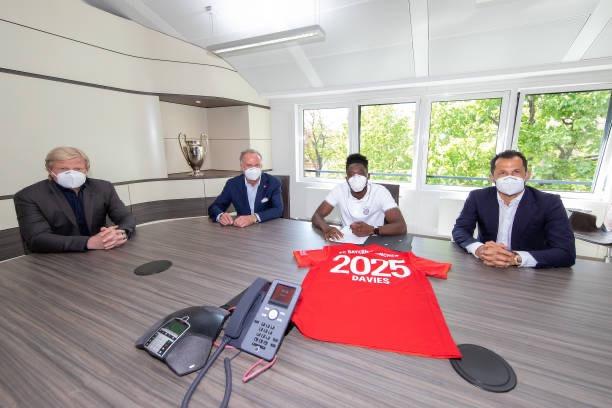 Alphonso Davies will be at Bayern Munich up until June 2025. [Getty]