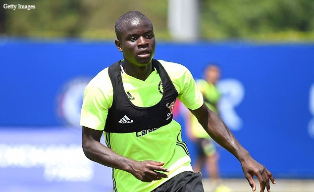 Kante not looking to leave Chelsea. [Getty]