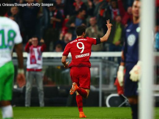 Spain international Javi Martinez has hailed Robert Lewandowski's impeccable form.