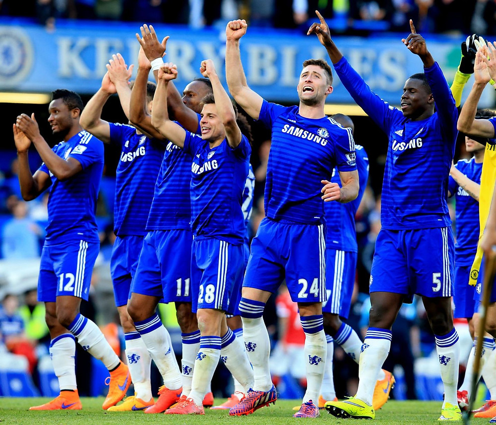 Chelsea players hail their fans after their 1-0 win over Man Utd.