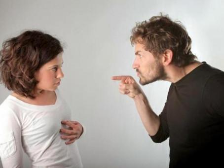 As consequências de quem vive ou já viveu um relacionamento abusivo