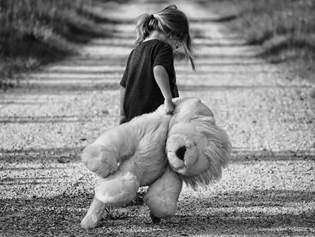 Crescer numa família tóxica e os efeitos na vida adulta
