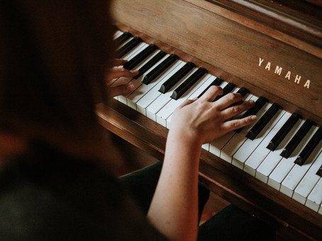 Three ways to teach yourself how to play the piano