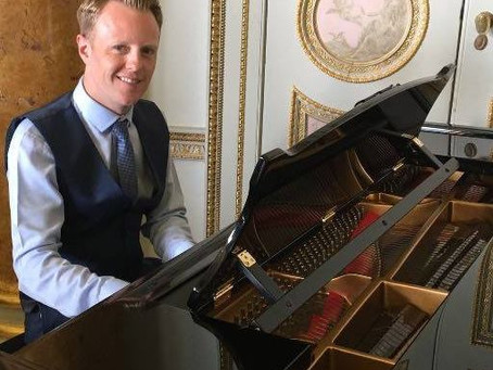 Would you like to book a pianist for your wedding in South Wales?