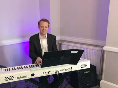 Looking for a piano teacher in Cardiff?