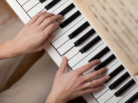 Learn How to Play the piano with a great teacher in Cardiff