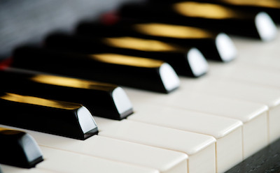 Learn how to play the piano: The ultimate list for beginners