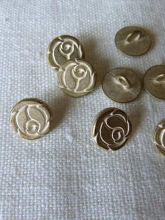 Lot de 12 boutons fleurs stylisées