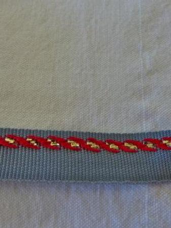 Ruban gris bord rouge