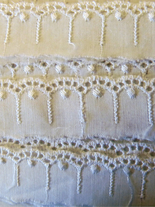 Broderie anglaise 15mm