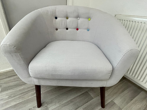 ***IN STOCK*** SINGLE LIGHT GREY BUTTON BACK FABRIC ARMCHAIR