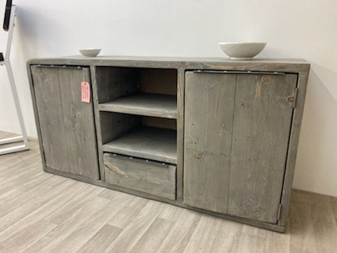 ***IN STOCK*** TV UNIT / SIDEBOARD WITH CUPBOARDS AND DRAWER IN GREYWASH