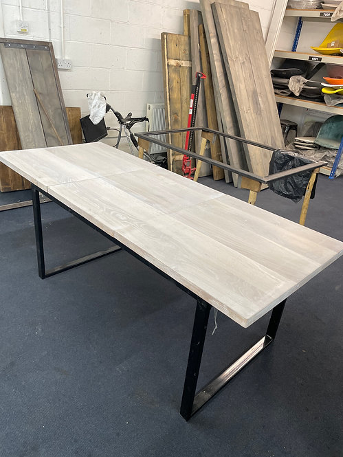 ***IN STOCK*** FULL STAVE OAK EXTENDING TABLE IN LIME WITH POWDER COATED FRAME