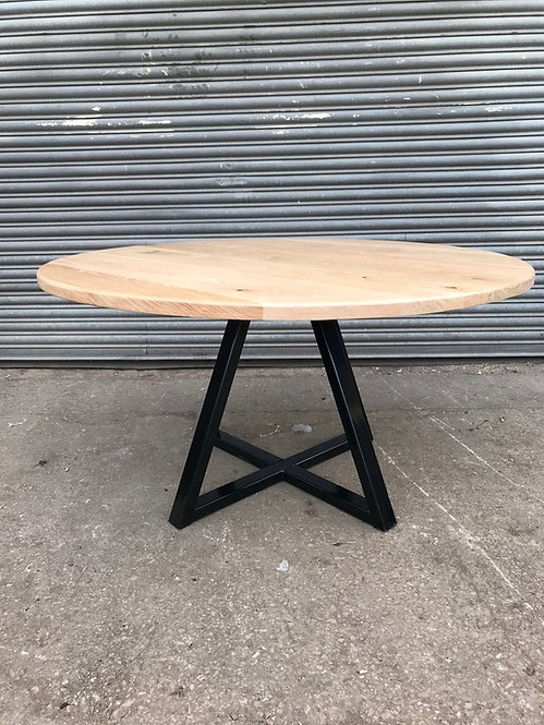 Industrial Chic Round Full Stave Oak Criss-Cross Pedestal Table 578