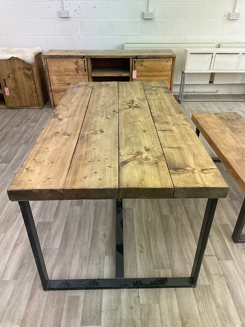 ***IN STOCK*** RECLAIMED TIMBER TABLE IN OIL WITH POWDER COATED FRAME