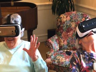 Casas de repouso podem implementar atividades de realidade virtual com idosos