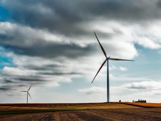Novo sistema usa turbinas eólicas para socorrer rede nacional em caso de cortes de energia